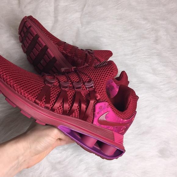 e2b8eb93ba0852 Nike Women s Shox Gravity Red Crush Floral